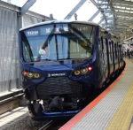 武蔵小杉駅を通過する相鉄の車両