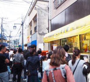 日吉本町2~4丁目一帯に広がる南日吉商店街が、この秋も「夜店」の賑わいで彩られる(2019年7月6日、前回開催時)