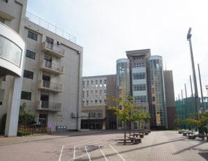 1930(昭和5)年に神奈川区大口で開校、来年で創立90周年を迎える日本大学高校・中学校(箕輪町2)。1999年に男女共学化を実現してから満20周年となった(9月9日)