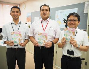 「インスタグラムも頑張っています」と語る広報担当の鈴木宏典さん、同校の学校教育に賭ける想いを熱く語る中園教頭、特進クラス担当の星さん(写真左より)