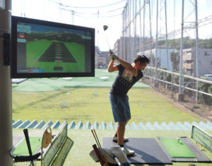 日吉5丁目のゴルフ練習場・レストランの「パームスプリングス(PALM SPRINGS)」では、新システム「トップトレーサー・レンジ」を新たに導入、本格的な運用を開始する