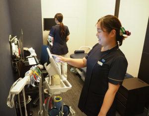 綱島SSTアピタテラス内にあるハート内科クリニックGeN横浜綱島(綱島東4)は医院名の名称となっている「心臓」に関する病気の診察を中心に行っている