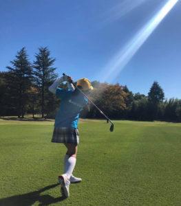 渋野日向子選手の全英女子オープン優勝(2019年8月)も記憶に新しいプロゴルファーの世界では、女子も若手が大いに活躍している(キッズゴルフのFacebookページより)