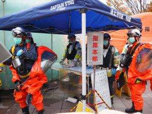 指揮本部には災害に関する情報や負傷者の搬送先などの情報を集約