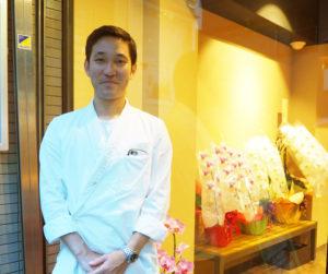 株式会社SOBAKOU代表取締役の加藤和巳さんは横浜市旭区出身。武相高校卒業、学校サイトの「卒業生の声」でもコメントが掲載されている