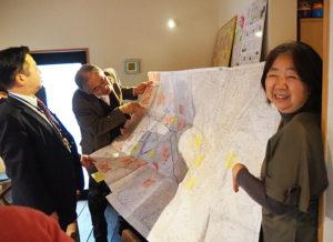 鈴木さんが作成に携わった「シニアの行動アンケート」。多くの人がまずは地域に関心を持ち、さまざまな活動に参加してくれるようにと日々事業を行っているという