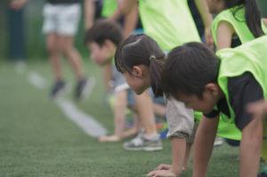 プログラム例として、体操やランニングをラグビースキルと交え学べる時間も計画されている(主催者提供)