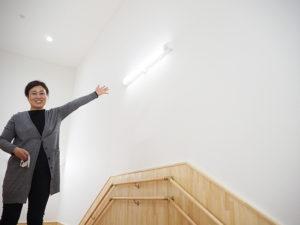 同社のイラストを手掛ける盛岡市在住の絵本画家・さいとうゆきこさんを招き、園の吹き抜け空間の壁面に大きな絵を描く予定。「描く様子を園児にも見てもらいたい」と近藤さん