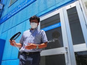鈴木社長は出身の大曽根小(大曽根2)、樽町中(樽町4)にもフェイスシールドとパーテーションボードを寄贈。地域での支援、そして交流の輪が広がっていく
