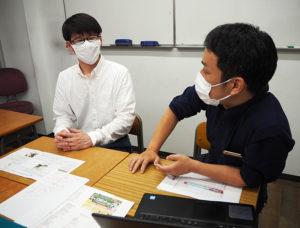 """玉田社長も、「卒塾生が戻ってきてくれるのは嬉しい」と、小野内さんの日々の""""頑張り""""を激励している"""