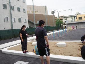 校庭は伸び伸び遊べるようにと「中央には何も置かない」ように設計されている。両端に砂場があるが、「造形砂場」(写真)と「運動砂場」というようにそれぞれの役割も異なるという