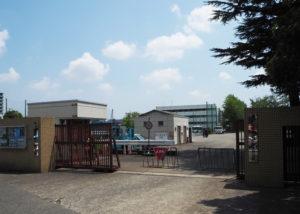 警察学校木月分校と併設された第二機動隊は、ほぼ矢上川沿いの日吉地区に隣接した綱島街道沿いにある