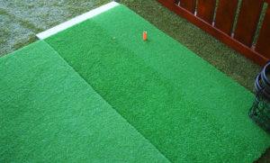 練習場のマットも、アイアンで打つところにより天然芝に近いハイブリット芝を採用(色が濃い部分)、より柔らかくすることで打ちやすくしているという