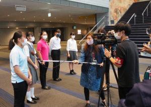 日吉台西中の大内さん、樽町中の中川さんら各校の部長がメディア5社の取材にも対応、それぞれの「晴れの舞台」を振り返った