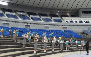 日吉台西中学校は人気のディズニー・ナンバーでチームワーク感じる演奏を披露