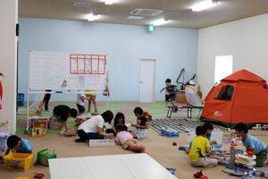 通常活動時の「師岡トレッサ学童クラブ」の様子(同運営委員会提供)
