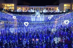 「コロナ禍」で傷ついた人々の心を癒すかのように、トレッサ横浜に恒例のイルミネーションが点灯された