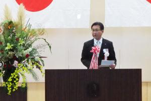 横浜市教育委員会から北部学校教育事務所の萩原淳所長が来訪し、祝辞を述べていた