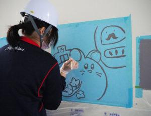 母校やふるさと・日吉にまつわるイラストを、1枚、1枚丁寧に描き上げていく。「美術部に入部してよかった」、