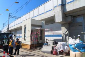 綱島街道がある箕輪1丁目側、鉄道をくぐった箕輪3丁目側にはそれぞれエレベーターも設置。地下道の通行開始は、来年度(2021年度)中を予定している