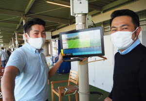 相原社長(右)も「加藤さんの技術、そしてパワーをレッスン受講者に伝えたい」と感じているという