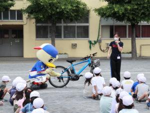 例年行われている自転車の「実技」は行えなかったものの、「実演」で安心・安全に運転するための秘訣は学ぶことができた