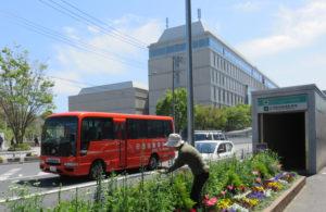 「日吉駅直行便」は約10分間隔の運行で、所要時間も約7分と便利