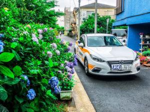 いよいよ季節は夏へ。日吉自動車学校では夏のキャンペーンによる受講者を募集している(同校のFacebookページより)