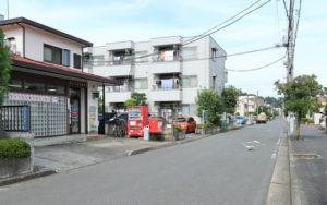横浜太尾南郵便局(大倉山4)は住宅街に位置している